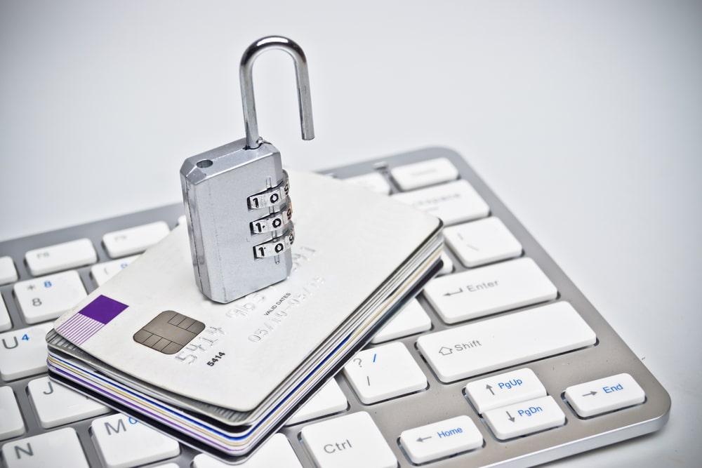 Unlocked credit card keyboard - DataClaim